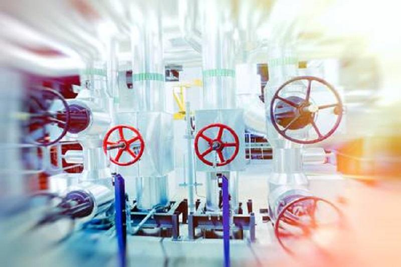 79092420 industrielle fabrik verschiedene mechanismen und metallrohre getöntes bild bewegungsunschärfe effekt