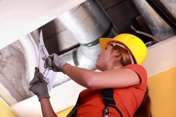 2816346 woman checking ventilation system